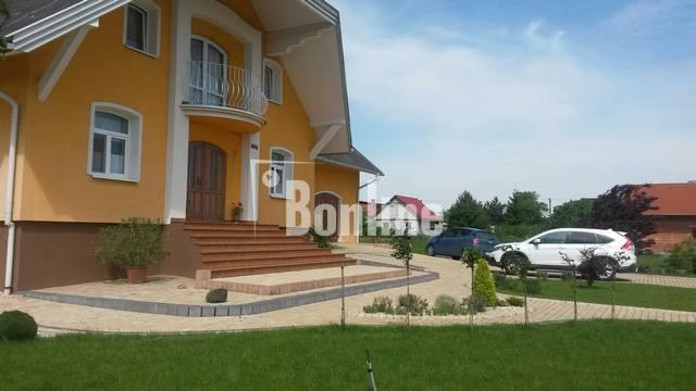 Дом в Словакии, в пригороде Кошице (трасса Ужгород - Кошице)