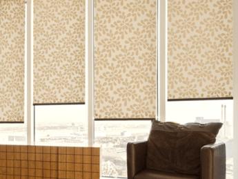 От чего зависит цена рулонных штор?
